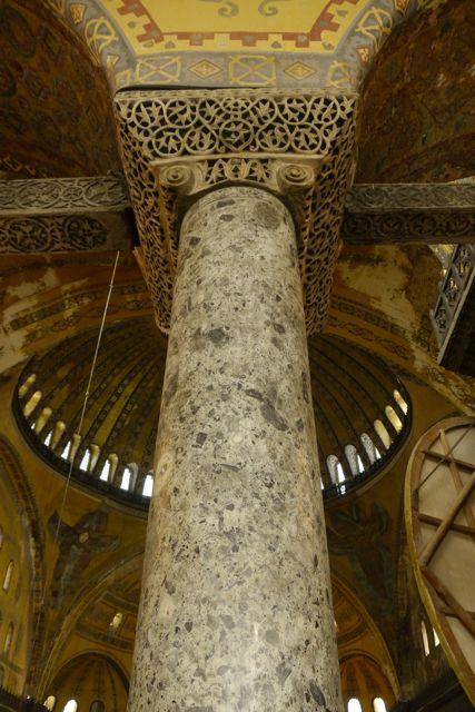 pilaren in de Hagia Sofia