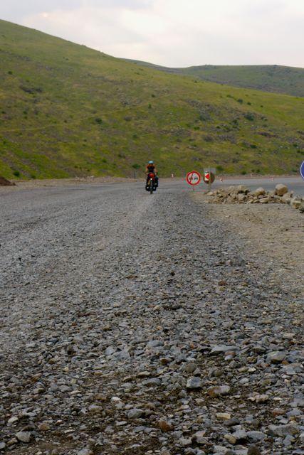 Zware kilometers over wegwerkzaamheden en klim