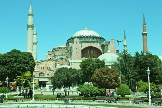Hagia Sofia van buitenaf.