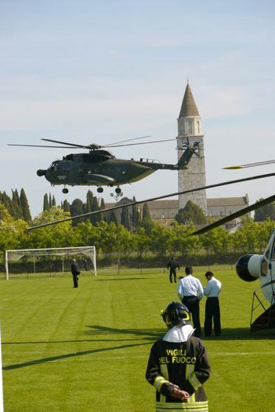 Helicopters op het voetbalveld