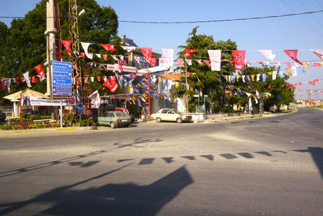 vlaggen voor de verkiezingen