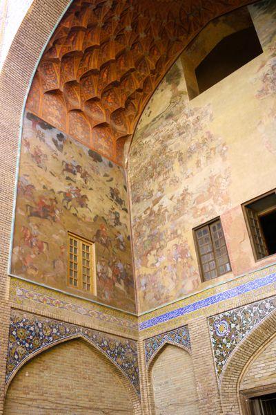 Muurschildering op het Imam plein in Esfahan.