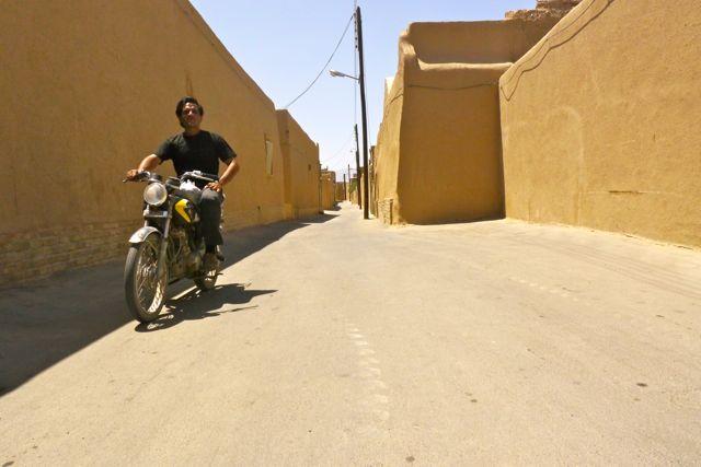 Een straatje in Yazd.