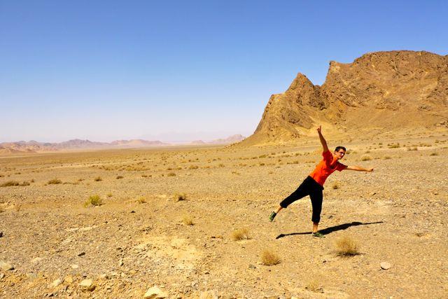 Miha in de woestijn.