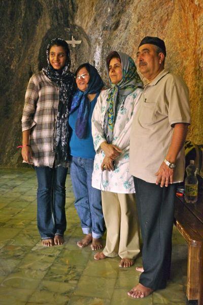 In de tempel ontmoeten we gelovigen van over de hele wereld.