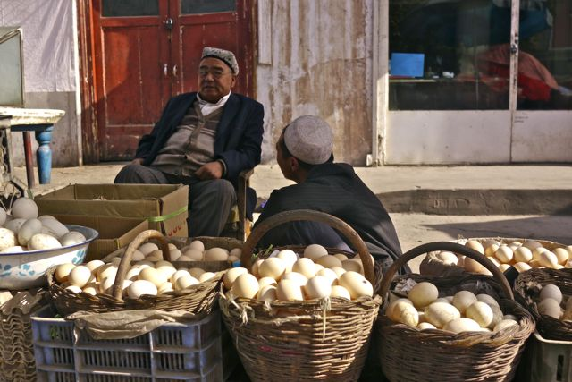 De straten van Kashgar; overvloed na de Pamir!