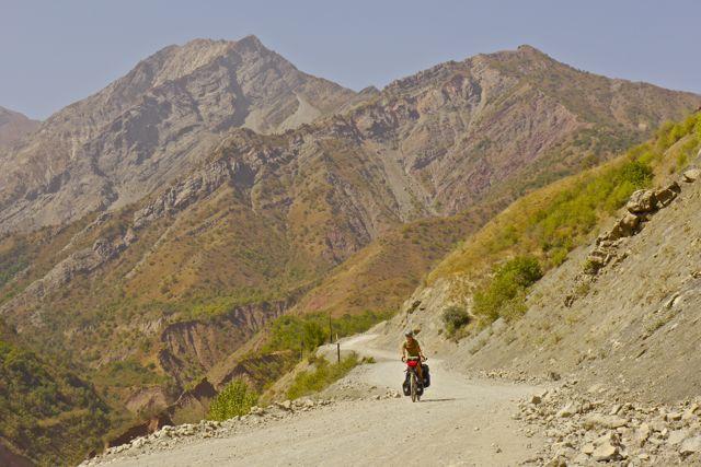 Speciaal voor Niko komen er nog veel van deze foto's: Klein fietsertje in groot landschap