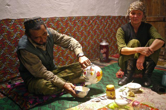 Ontbijt met de gastheer en vrouw