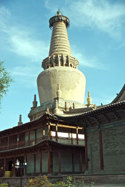 De karakterstieke toren van het tempelcomplex