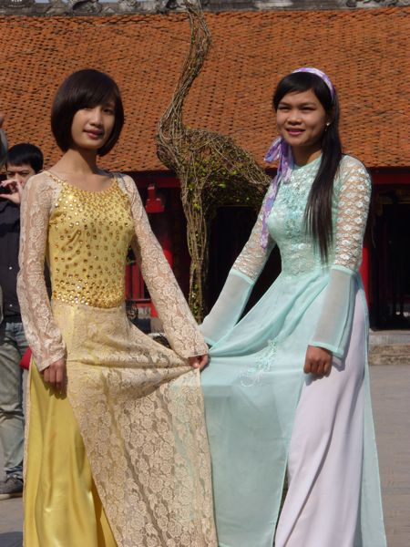Aziatische vrouwen poseren graag voor een foto
