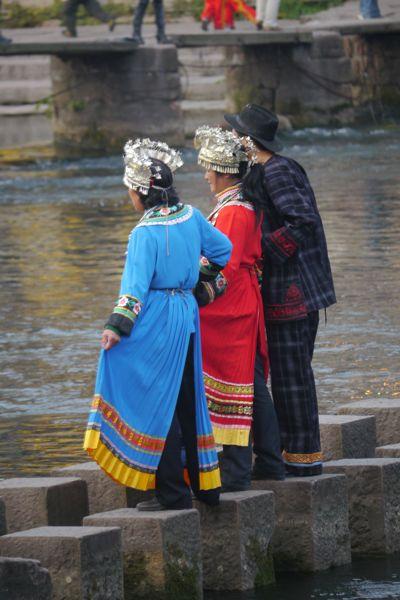 Een van de favoriete bezigheden van Chinezen wanneer ze de toerist uithangen; poseren en het liefst verkleed.