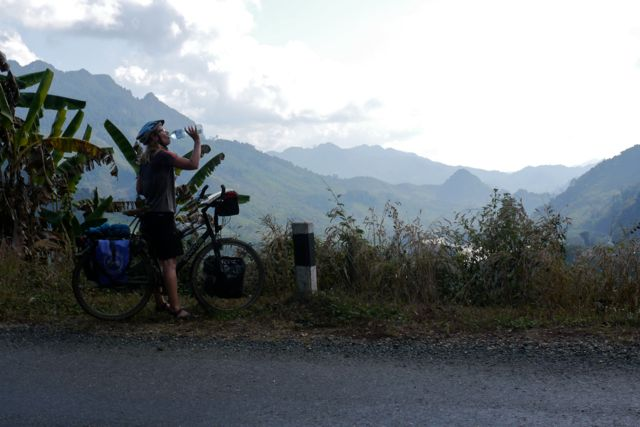 De eerste dagen in Laos waren fris, maar het wordt snel warmer.