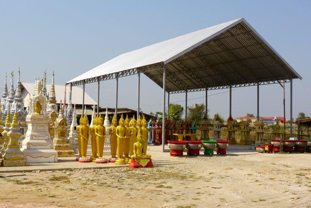 Groothandel Pho Vang; voor al uw tempelbenodigdheden.