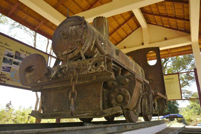 Een Frans locomotiefje; ook een van de vier laatste treinen die ooit in Laos gereden hebben.