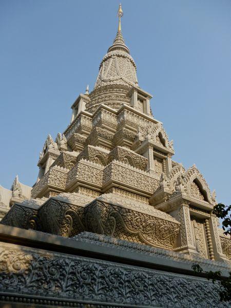 Stoepa's worden er nog volop gebouwd in heel zuidoost Azië; van betonnenmallen.