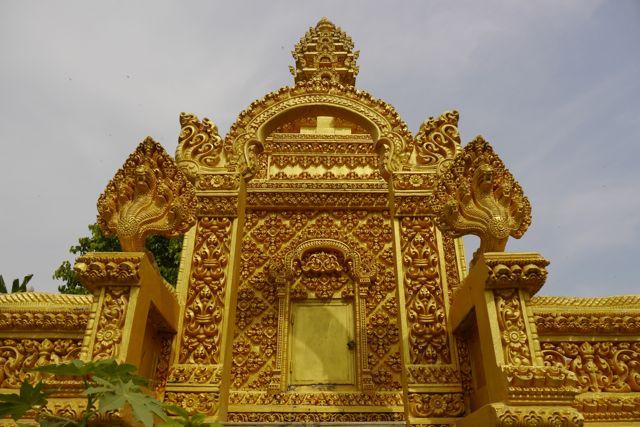Beton & goudverf. Belangrijke ingredienten voor elke tempelbouwer.