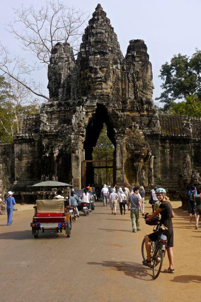 Een van de toegangspoorten tot Angkor Thom; een van de oude hoofdsteden van het Khmer Rijk.