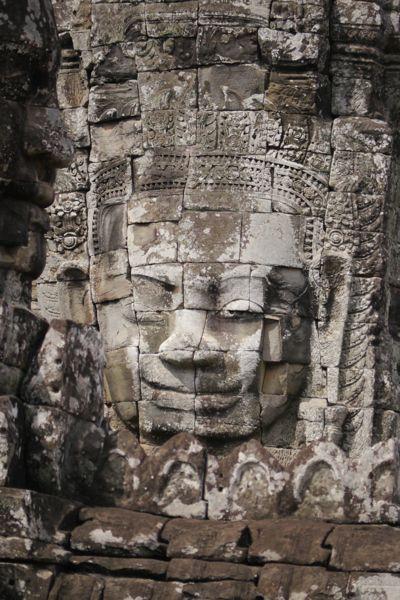 En hierom is de tempel zo beroemd; de gezichten.