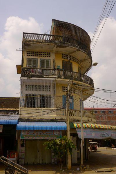 Oude Franse architectuur in Battambang.