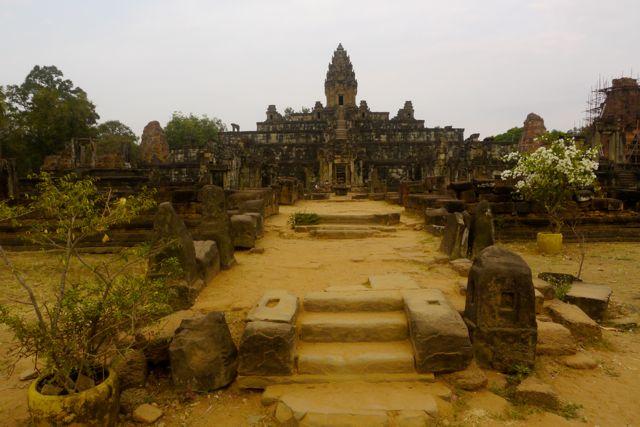 Rolous tempelcomplex; het oudste complex in de omgeving.